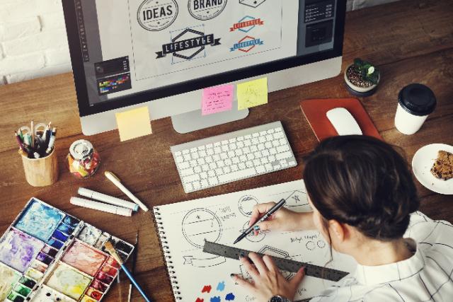 デザイナー 採用方法の画像