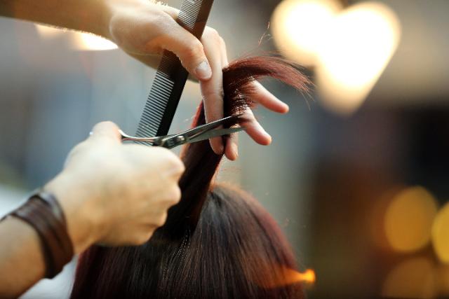 美容師 採用方法の画像
